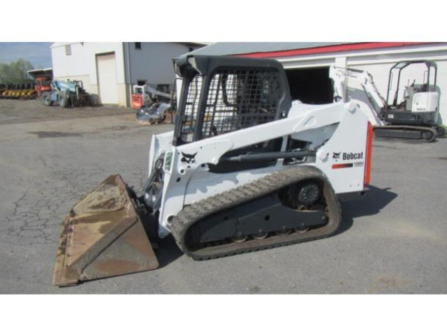 Where to find SKIDSTEER TRACK MEDIUM T550 in Sterling